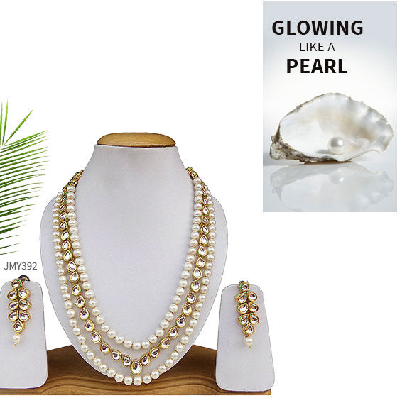 Jewelry in White stones, beads and pearls. Shop!