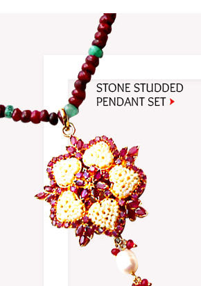 A myriad of eye-catching Pendant Sets. Buy Now!